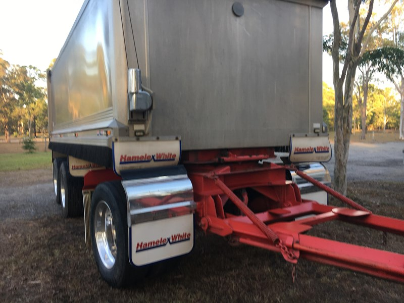 hamelex white tri axle dog trailer 470137 002