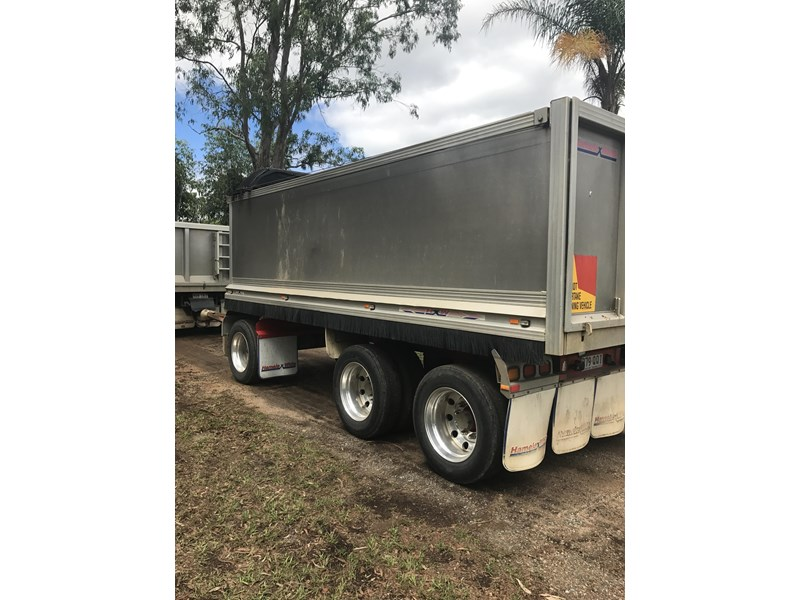 hamelex white tri axle dog trailer 470137 005