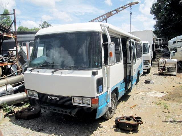 toyota coaster bus 464698 001