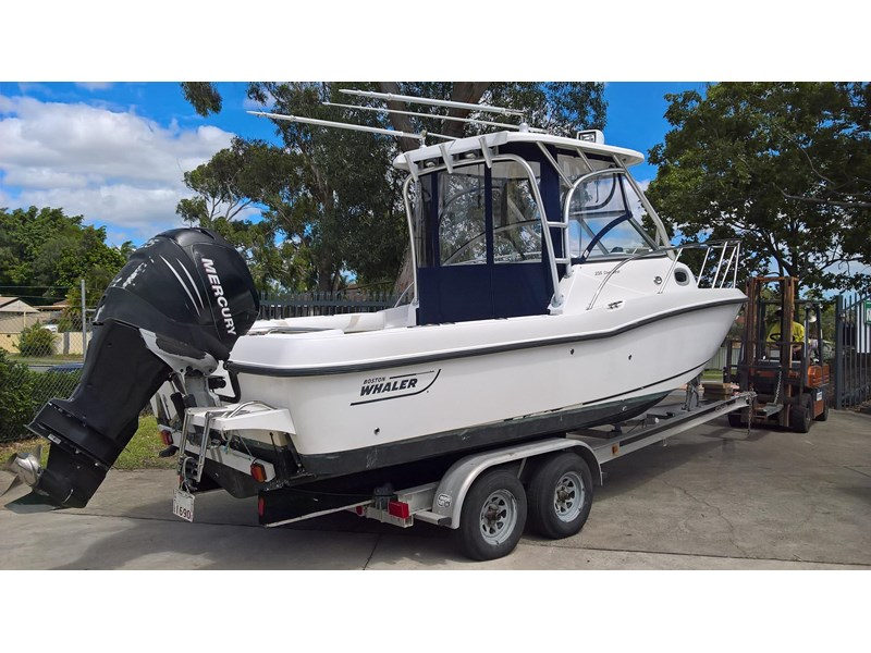 boston whaler 235 conquest 473198 002