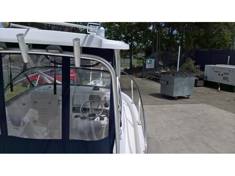 boston whaler 235 conquest 473198 005