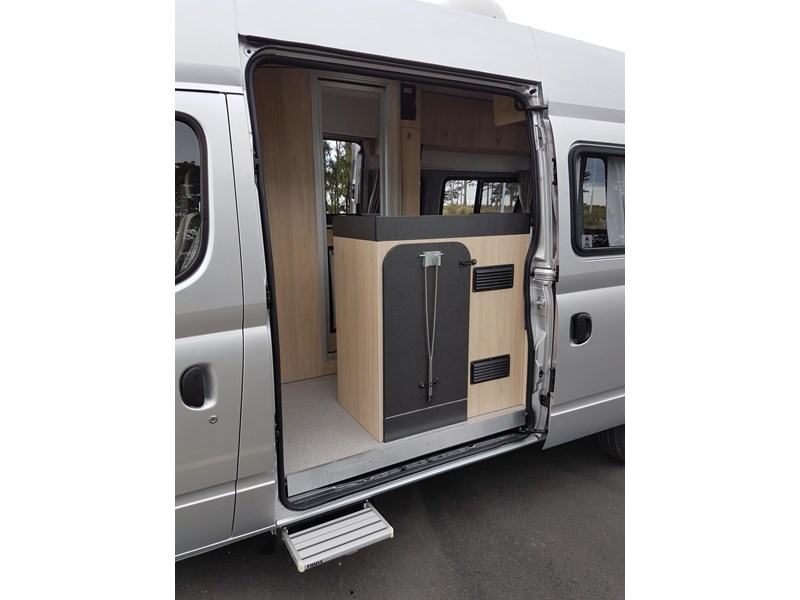 "ldv u-shape ""customise your campervan"" 474409 003"