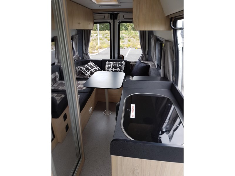 "ldv u-shape ""customise your campervan"" 474409 006"