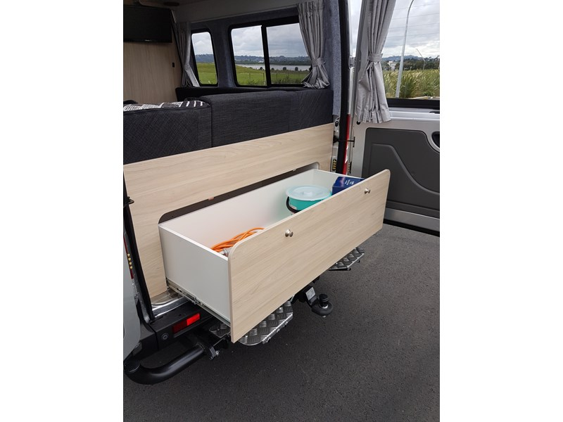 "ldv u-shape ""customise your campervan"" 474409 009"