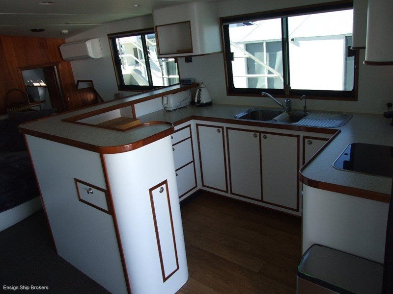 custom charter powercat 49' 324035 012