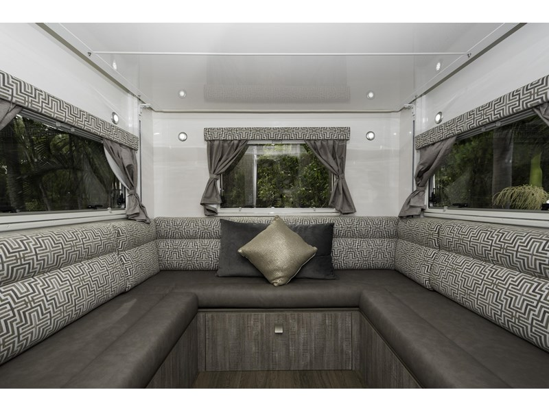 winnebago (apollo) airlie 480125 007
