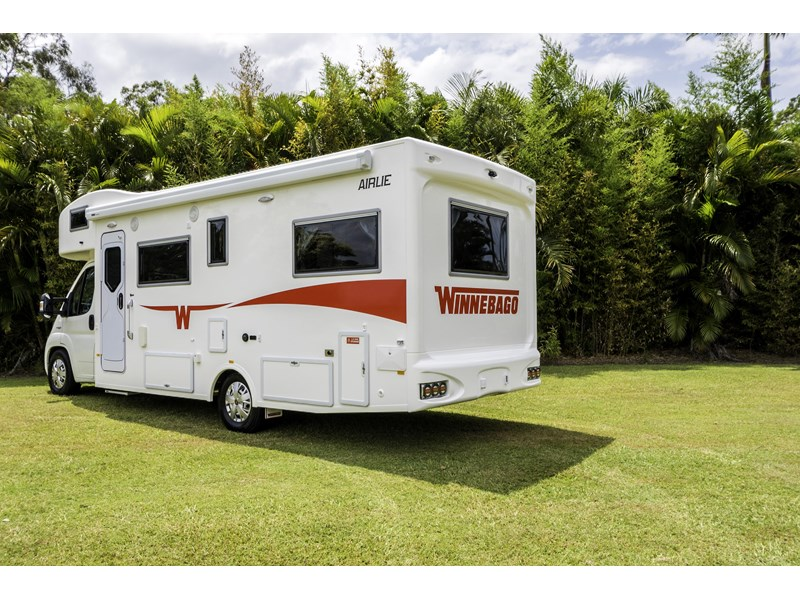 winnebago (apollo) airlie 480125 002
