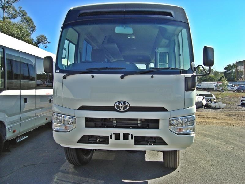 toyota 4x4 conversion of coaster bus 474352 016