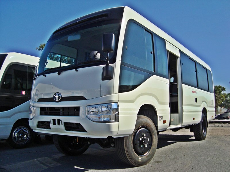 toyota 4x4 conversion of coaster bus 474352 001
