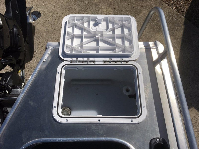 quintrex 460 renegade side console 495347 018
