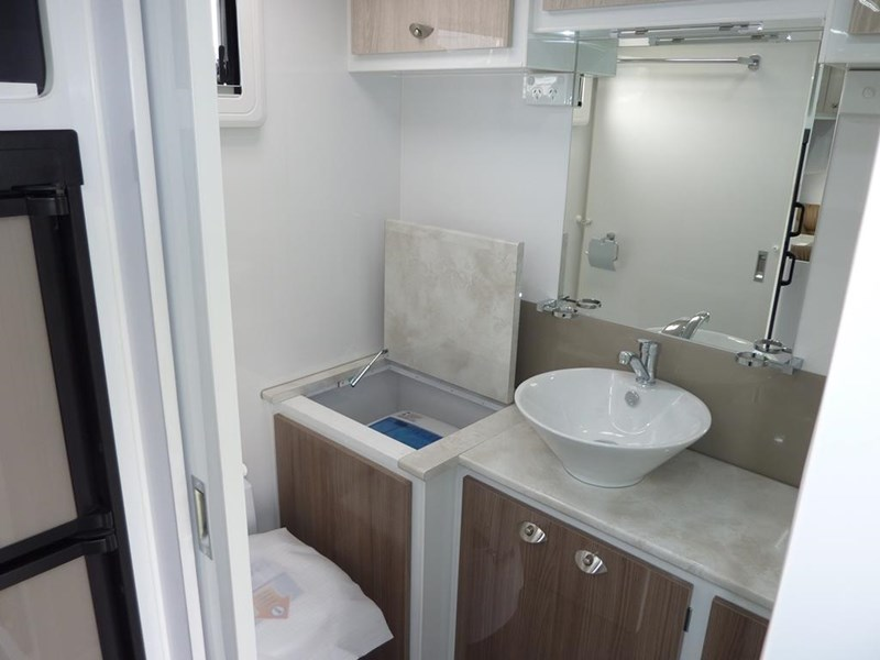 living edge bellagio - ensuite caravan 498010 013