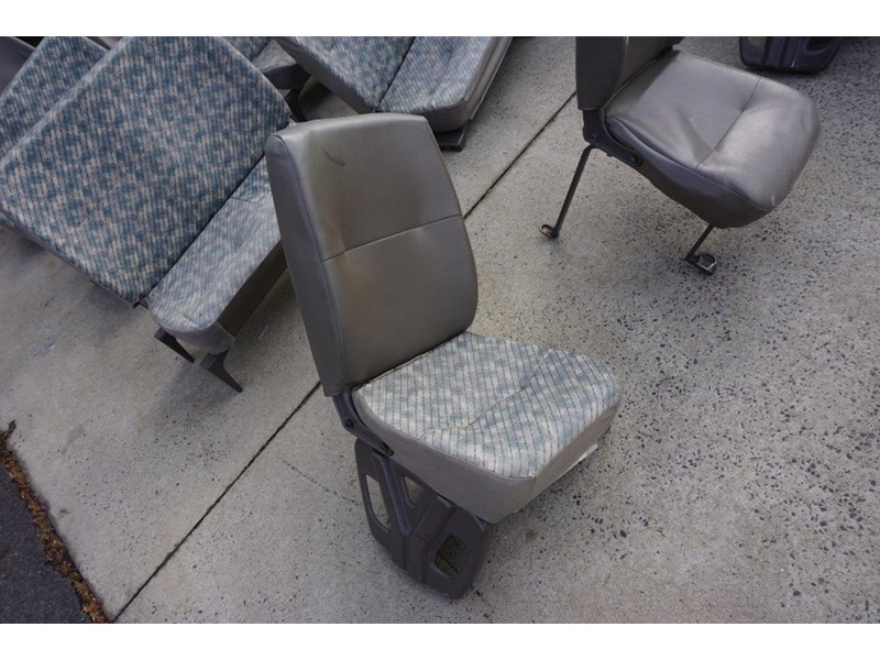 other mitsubishi rosa bus seats - 2nd hand 498317 002