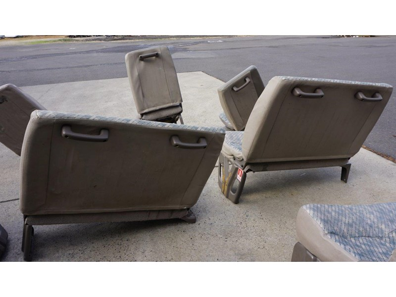 other mitsubishi rosa bus seats - 2nd hand 498317 006