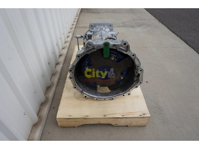 mitsubishi rosa bus automatic gearbox - reconditioned 498573 004