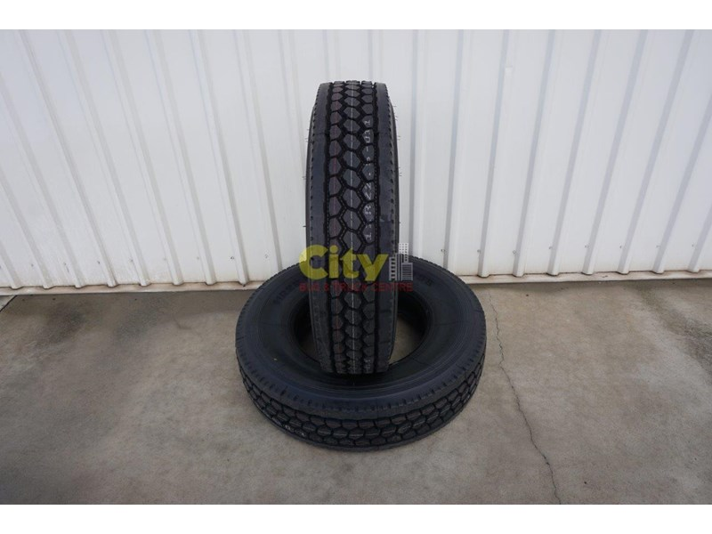 o'green 11r 22.5 closed shoulder 21mm deep tread drive tyre 499323 003