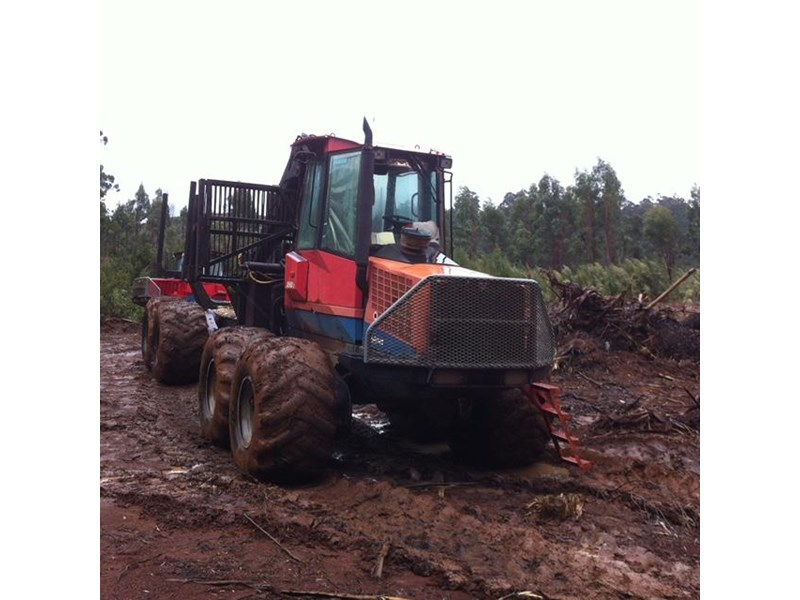 valmet 890-1 log forwarder 185302 005