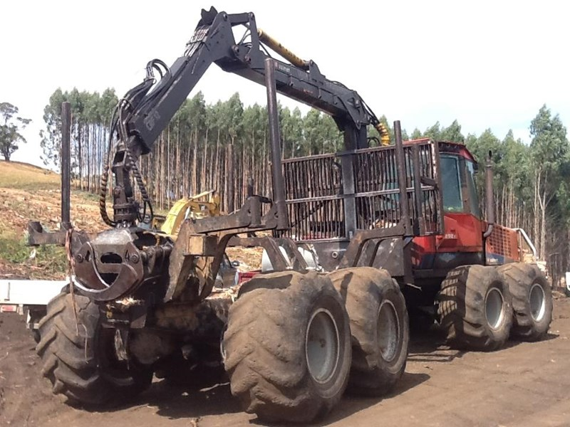 valmet 890-1 log forwarder 185302 003
