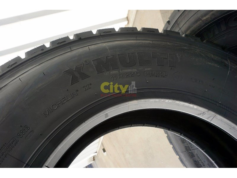 michelin 11r22.5 x multi drive tyre 503745 005