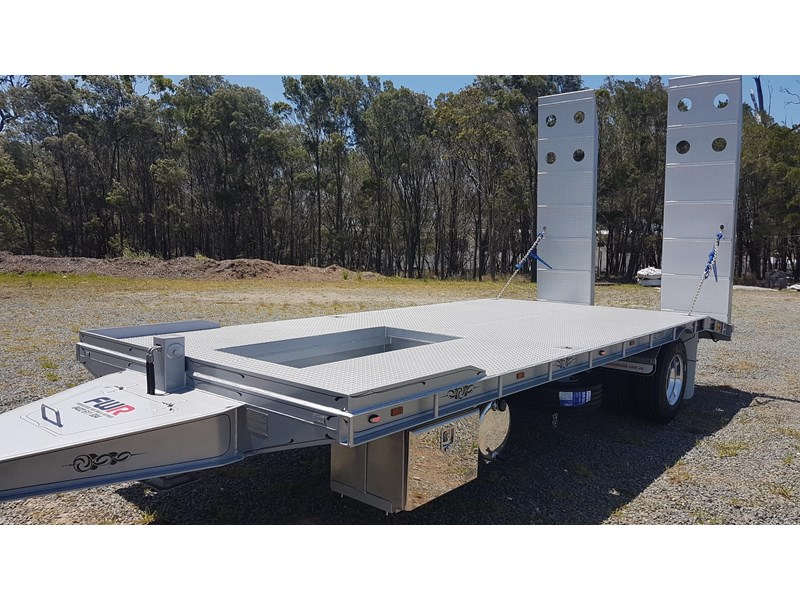 fwr single axle - all hydraulic tag trailer 403038 002