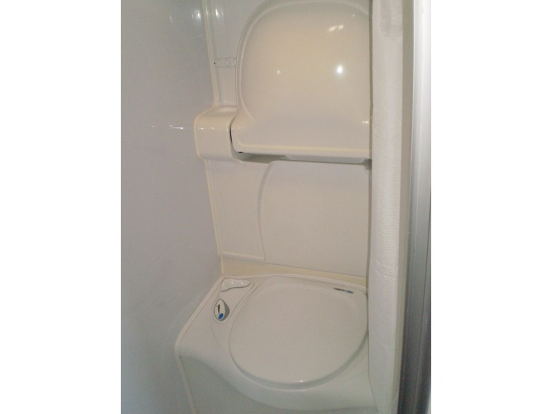 jayco sterling  shower/toilet 511062 014