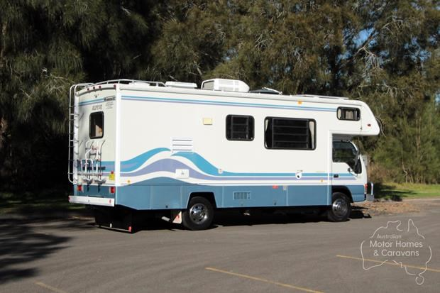 winnebago (avida) alpine 431004 014