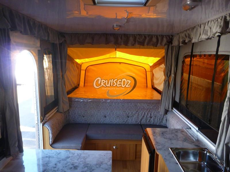 golf bush challenger 1 - family van - windup camper 414908 006
