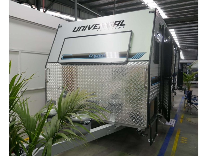 universal caravans crystal river slide out 514925 003