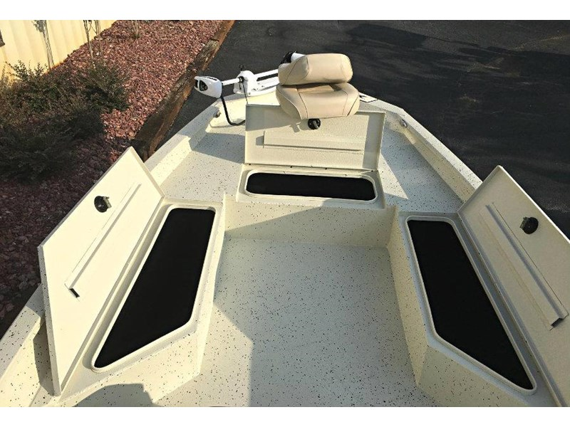 xpress boats h22b centre console fishing boat 516910 013