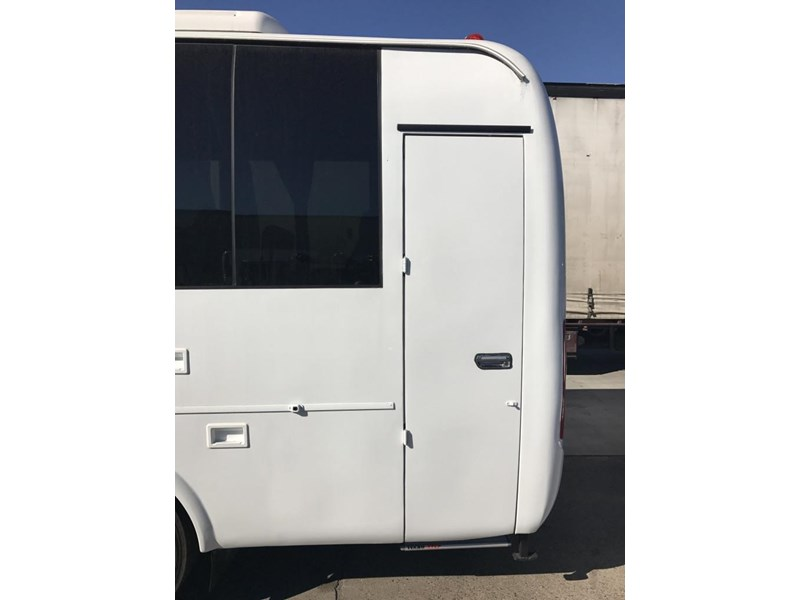 yutong 2018 22 seat mini coach 494759 006