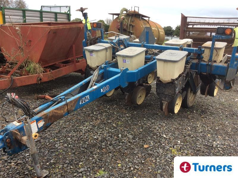 2000 Kinze 2000 Seeder For Sale