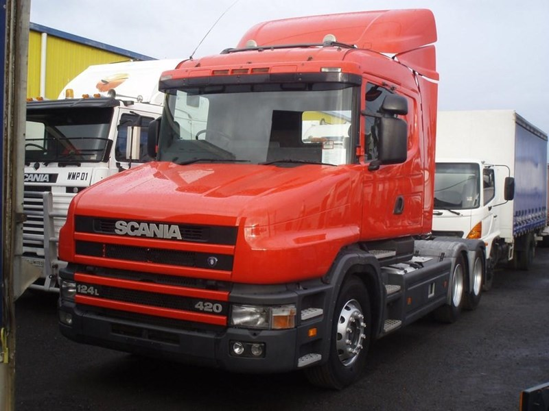 scania t124g 189133 002