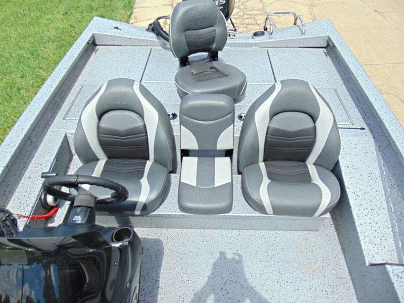 xpress boats x18 pro tournament bass fishing boat 522389 032