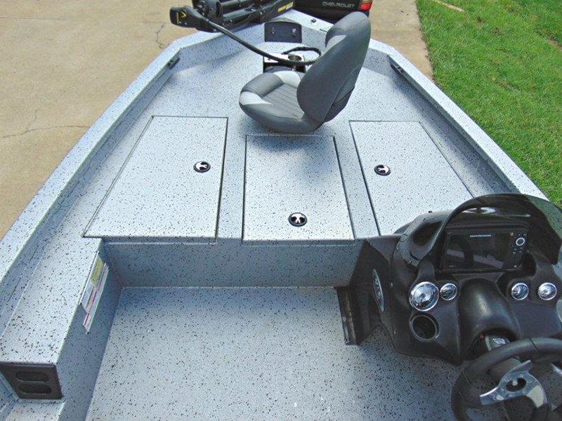xpress boats x18 pro tournament bass fishing boat 522389 015