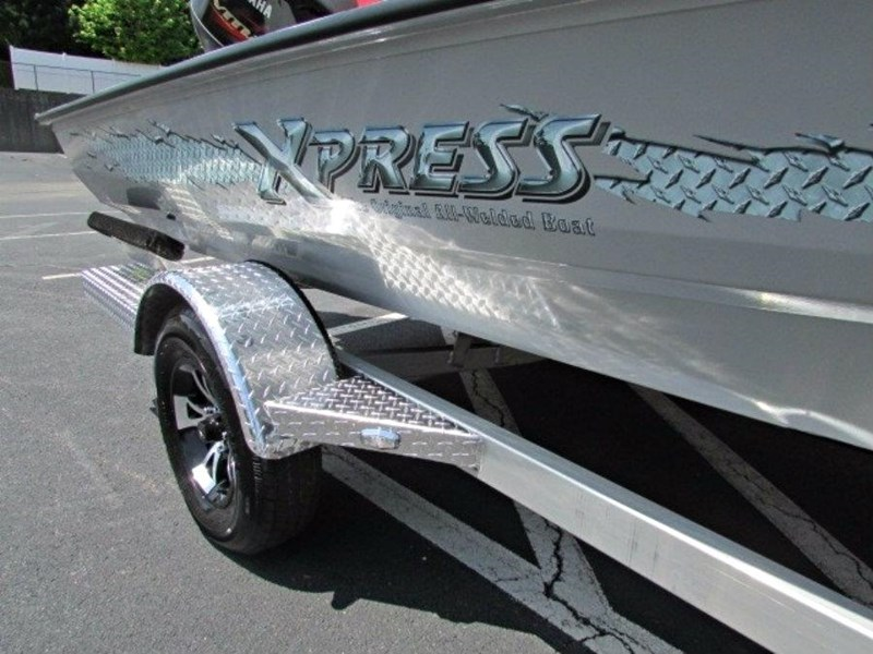 xpress boats x18 pro tournament bass fishing boat 522389 053