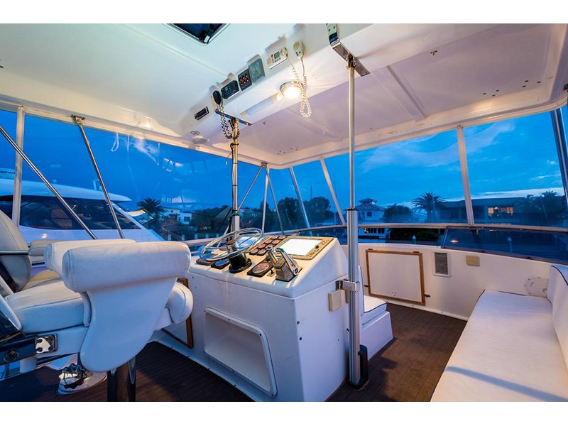 bertram 45' flybridge 523932 017
