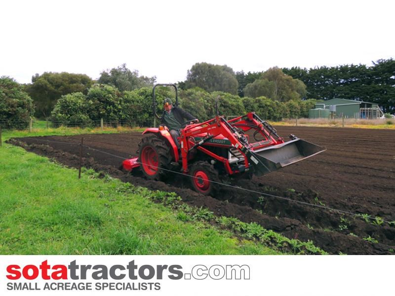 kubota l2402dt tractor with 4 in 1 fel 28hp 55502 012