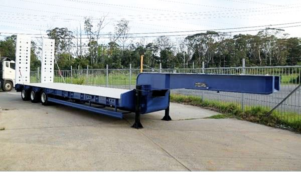 aaa aaa low loader drop deck with ramps 505235 001
