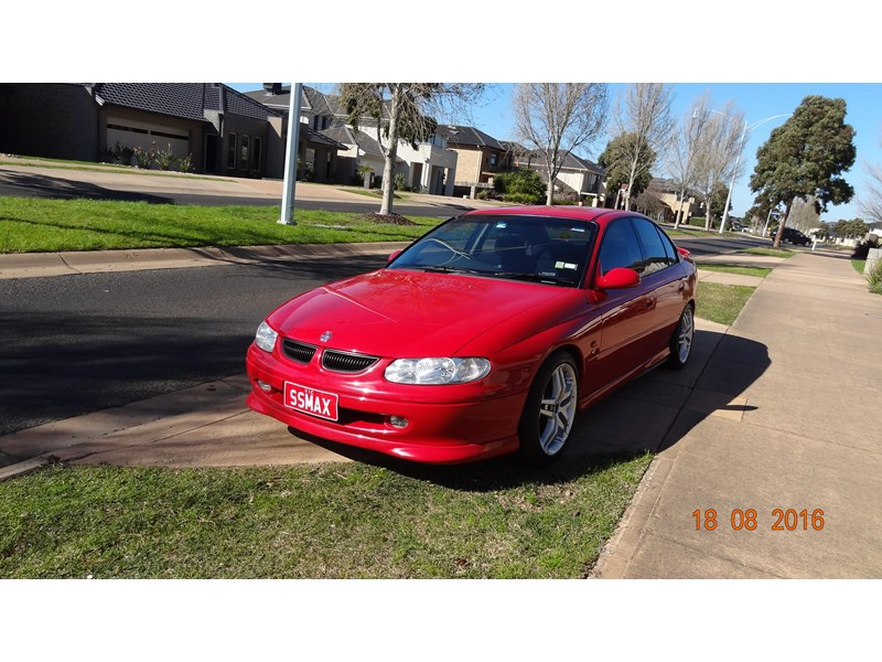 holden commodore ss 469204 002