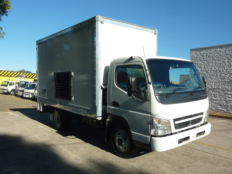 2010 FUSO CANTER 2 0 for sale