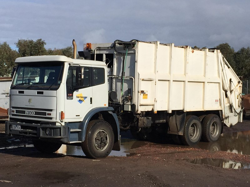 iveco acco 2350g 329686 001