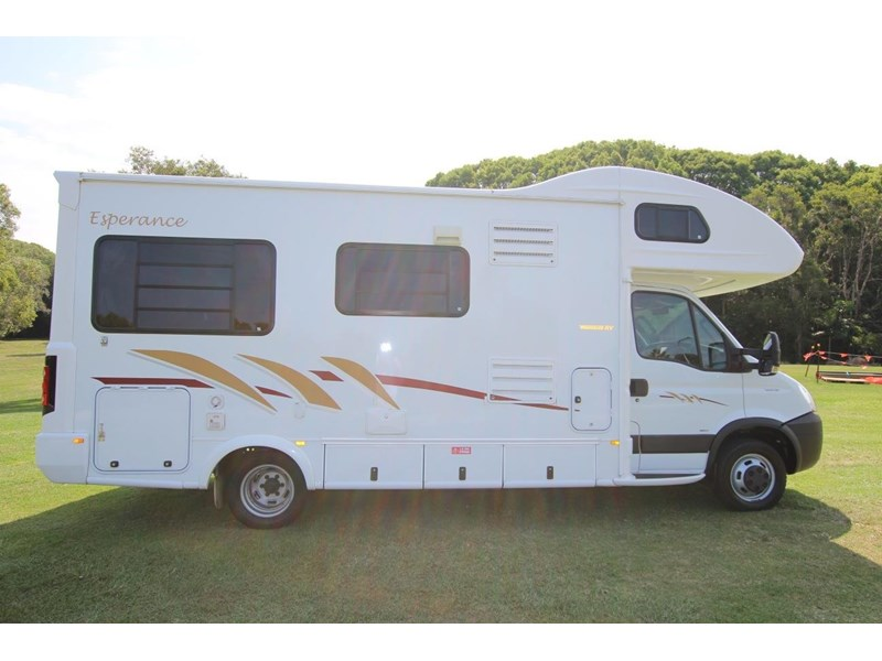 winnebago (avida) esperance c2464 electric bed 536203 005
