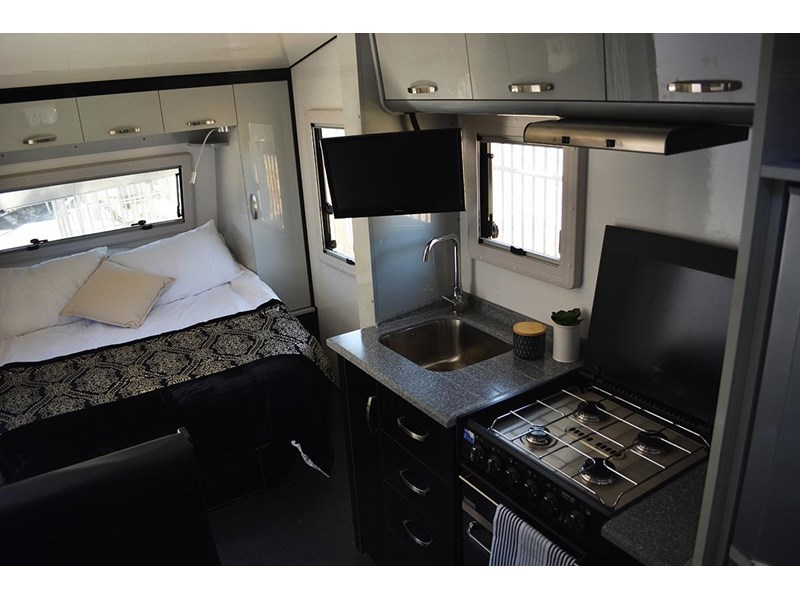 goldstar rv liberty tourer 489925 008