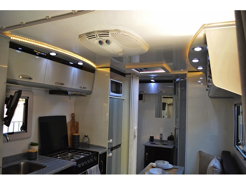 goldstar rv liberty tourer 489925 013