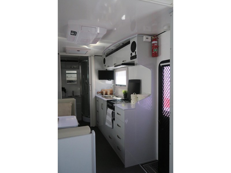 goldstar rv liberty tourer 489936 004