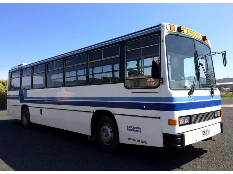 isuzu lt111p custom coaches 49 seater school bus 540613 003