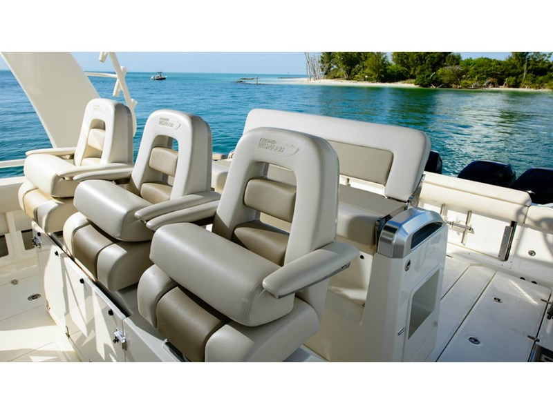 boston whaler 420 outrage 294251 015