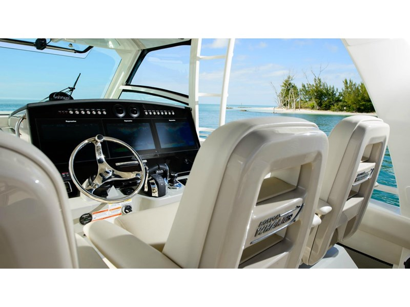 boston whaler 420 outrage 294251 016