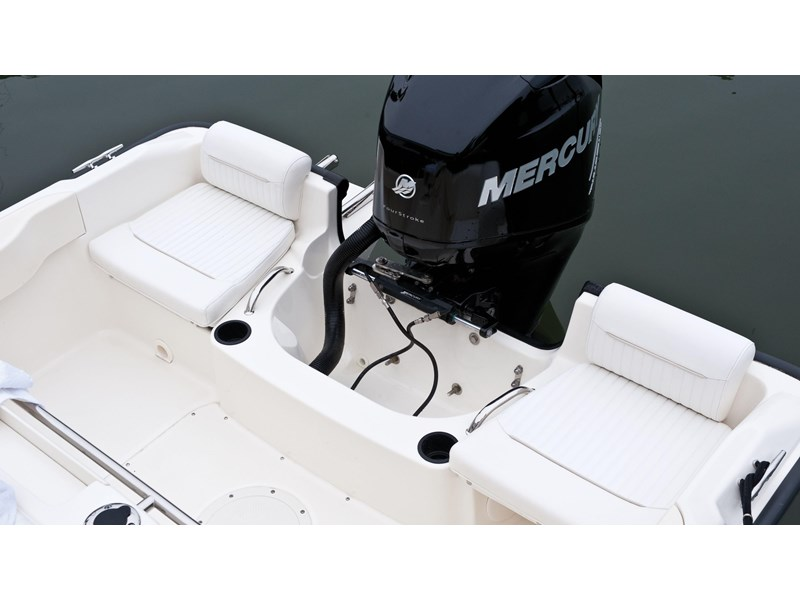 boston whaler 190 outrage 294225 008