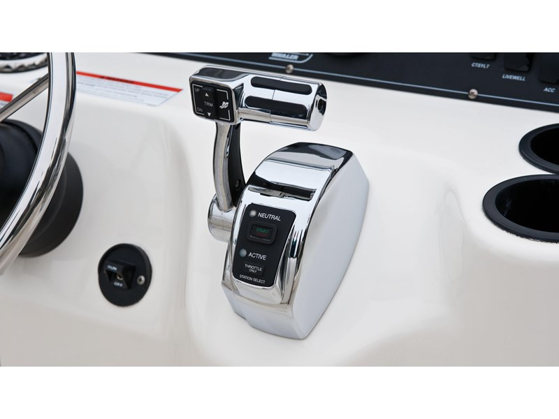 boston whaler 190 outrage 294225 018