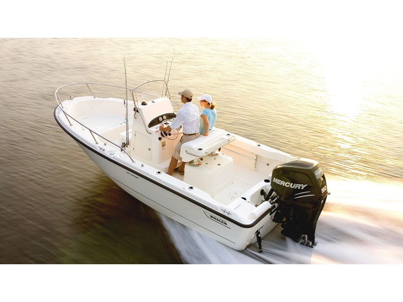 boston whaler 190 outrage 294225 002
